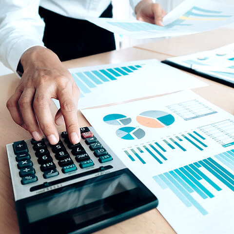 Profesionales especialistas en riesgos y seguros altamente calificados